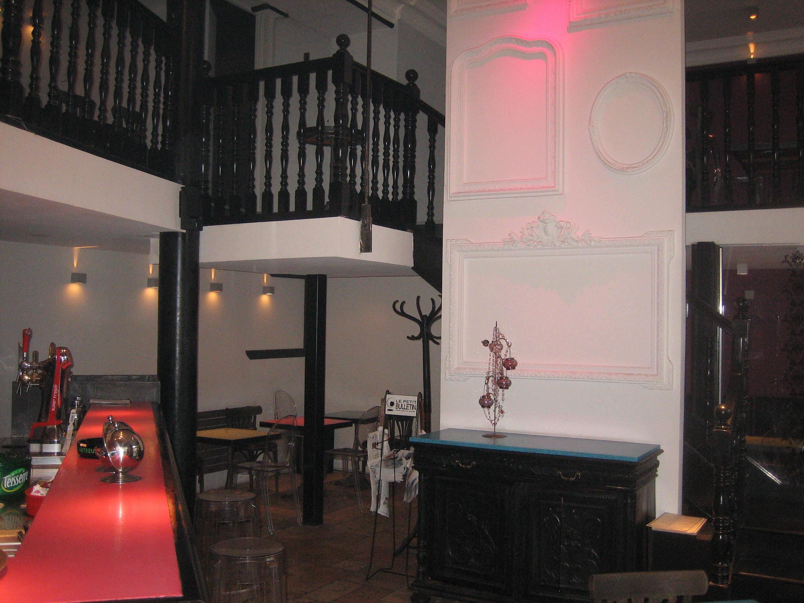 ligne sezz cafe restaurant grenoble. Black Bedroom Furniture Sets. Home Design Ideas