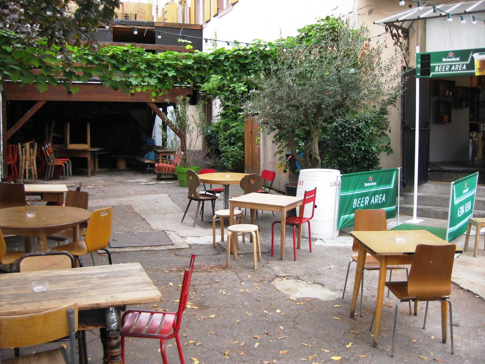 abattoir cafe restaurant strasbourg. Black Bedroom Furniture Sets. Home Design Ideas
