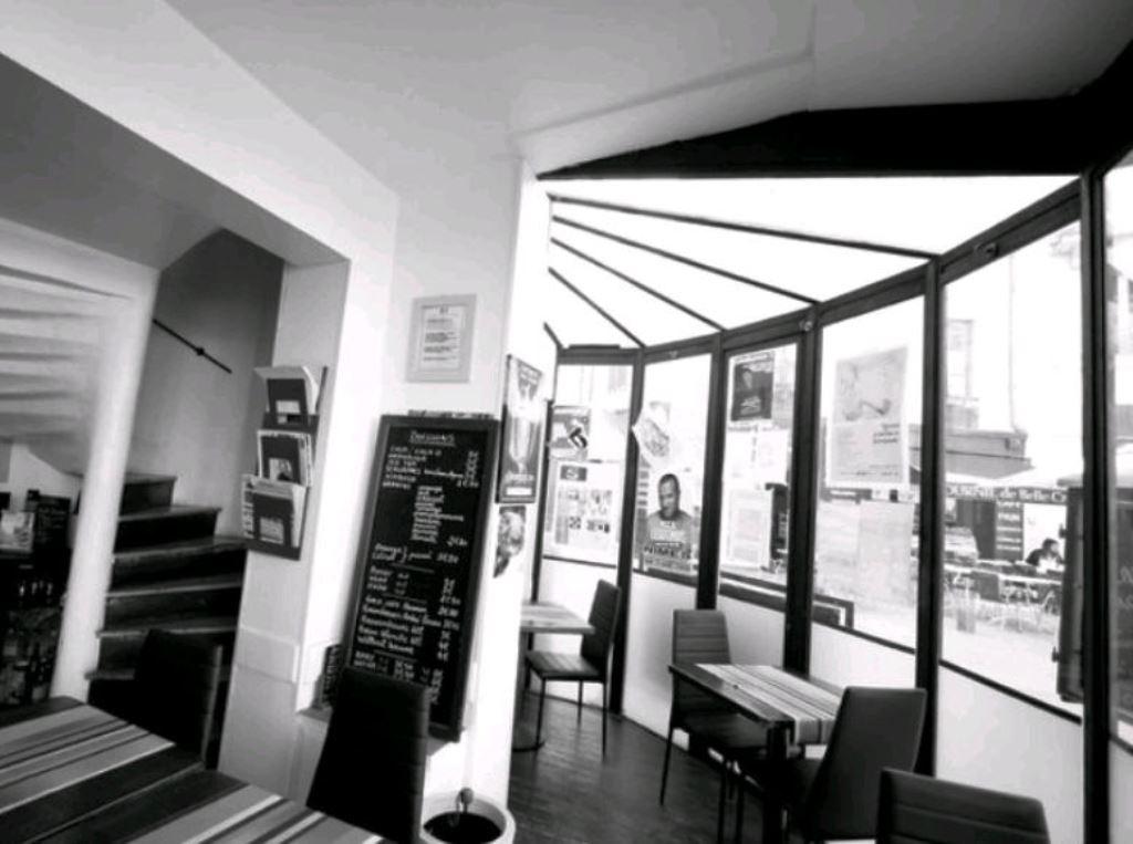 le delicafe restaurant n mes. Black Bedroom Furniture Sets. Home Design Ideas