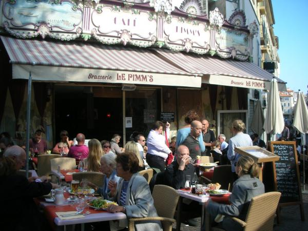Le pimm 39 s bar antibes for Le jardin antibes restaurant