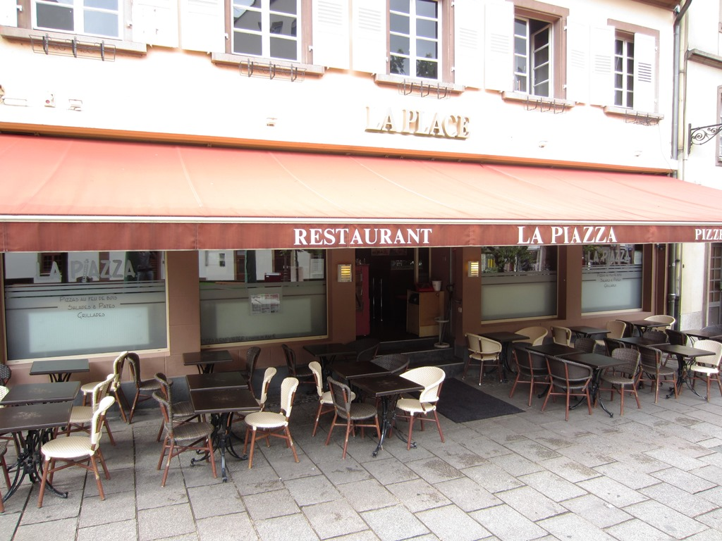 la piazza restaurant strasbourg. Black Bedroom Furniture Sets. Home Design Ideas