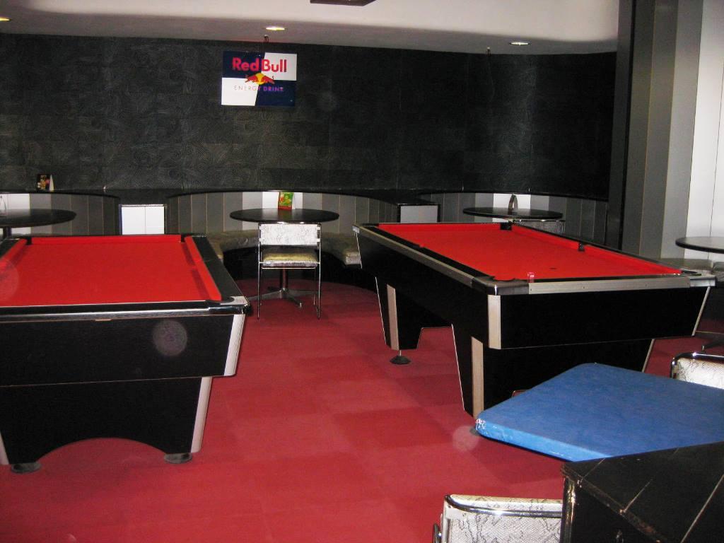Le bowling des nations bar nancy for Horaires piscine vandoeuvre
