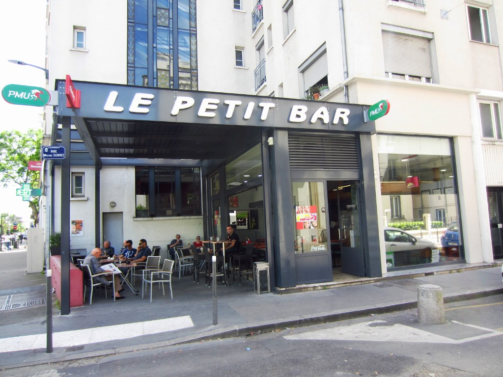 Le petit bar restaurant lyon for Petit bar cuisine
