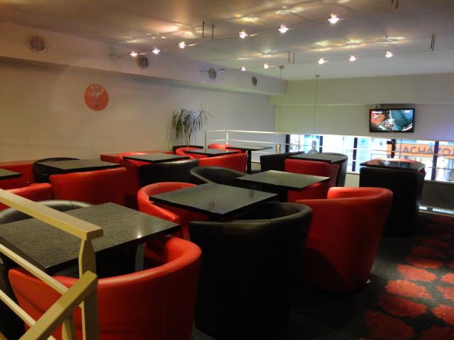 le bolton food cafe restaurant le mans. Black Bedroom Furniture Sets. Home Design Ideas