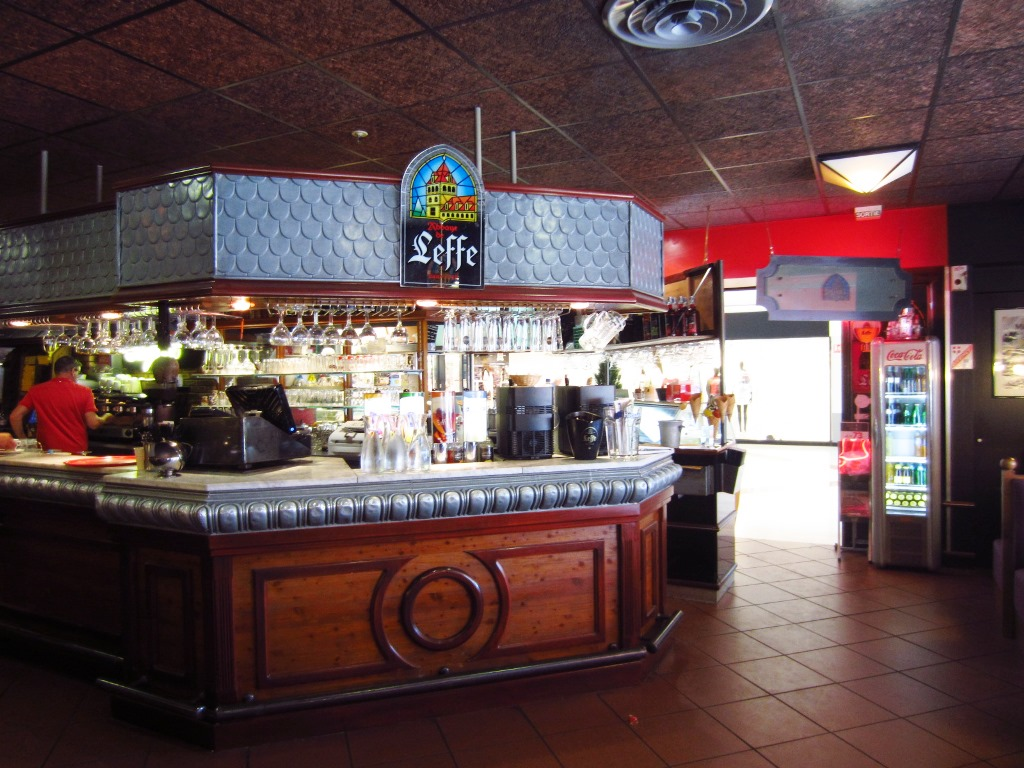 brasserie pizzeria le zinc bar chamb ry. Black Bedroom Furniture Sets. Home Design Ideas